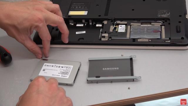 Packard Bell Easynote Notebook öffnen - HDD SSD einbauen - CMOS + Lüfter + Tastatur - Festplatte gegen SSD tauschen