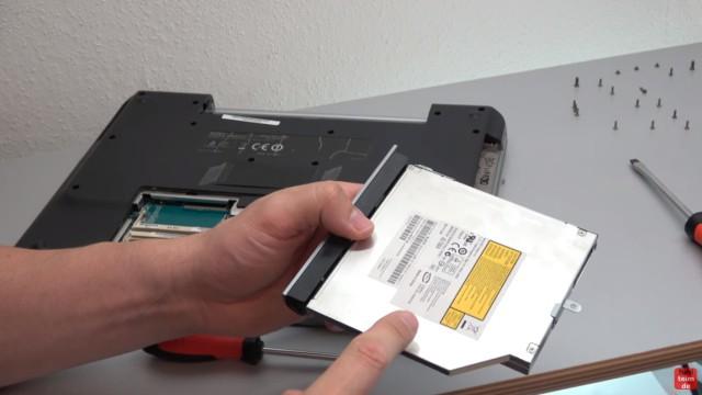 Sony Vaio Notebook reparieren - optisches Laufwerk DVD ausbauen und ggf. tauschen