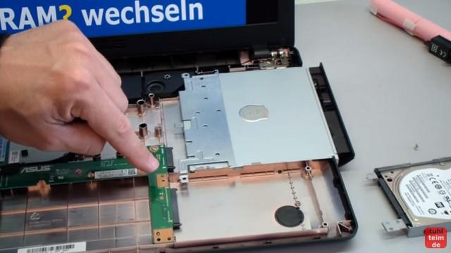 Asus X540s öffnen und auseinanderbauen SSD einbauen Bios starten Lüfter + Akku wechseln - Festplatte ausgebaut