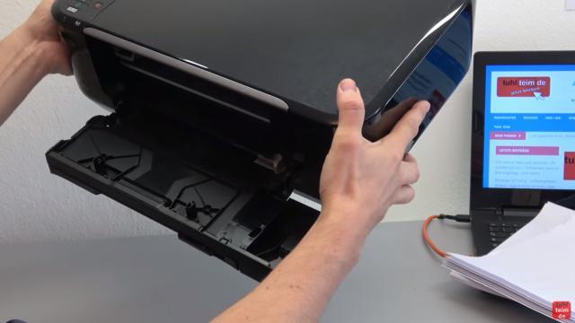Canon Pixma Drucker Papierstau Problem beheben - Papierausgabeschacht - einfach den Drucker mal hochnehmen und etwas schütteln