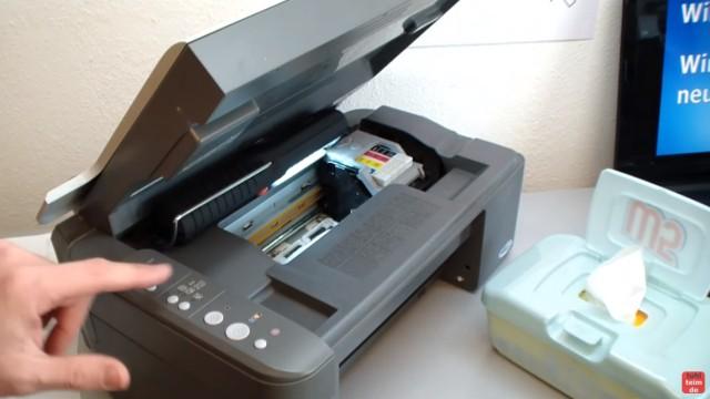 Epson Tintenstrahldrucker - Druckkopf reinigen ohne Ausbau - Ausdruck ist streifig - Drucker ausschalten