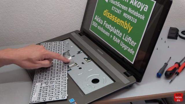 Medion Akoya Touchscreen Notebook auseinanderbauen - Tastatur ausbauen / reinigen
