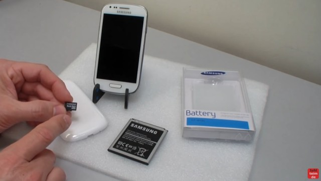 Samsung S3 mini microSD Karte ein- und ausbauen - Akku wechseln - neue SD-Karte und neuer Akku