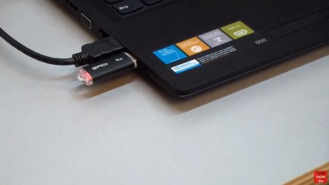 Windows 10 Download 32-bit und 64-bit Pro und Home auf USB-Stick mit Auswahlmenü für vier Windows 10-Versionen - ei.cfg konfigurieren - leeren USB-Stick einstecken