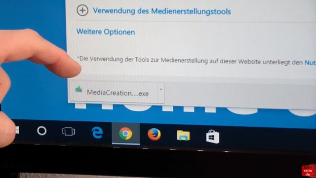 Windows 10 Download 32-bit und 64-bit Pro und Home auf USB-Stick mit Auswahlmenü für vier Windows 10-Versionen - ei.cfg konfigurieren - MediaCreationTool.exe herunterladen
