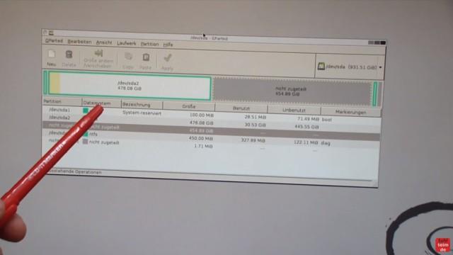 Windows 7 und 10 Partitionen verwalten + verkleinern - GParted - nicht verschiebbare Dateien - GParted mit Partitionen