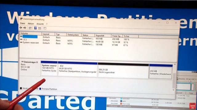Windows 7 und 10 Partitionen verwalten + verkleinern - GParted - nicht verschiebbare Dateien - Datenträgerverwaltung Windows 7 und 10 - Laufwerk C: verkleinert auf 44GB