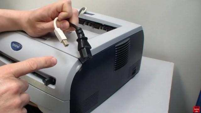 Brother HL Laserdrucker Papierstau - richtig entfernen ohne Drucker zu beschädigen - und Netzstecker und USB-Kabel abziehen