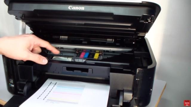 Canon Pixma Kopf ausbauen und reinigen - Drucker öffnen - Druckkopf fährt in die Mitte