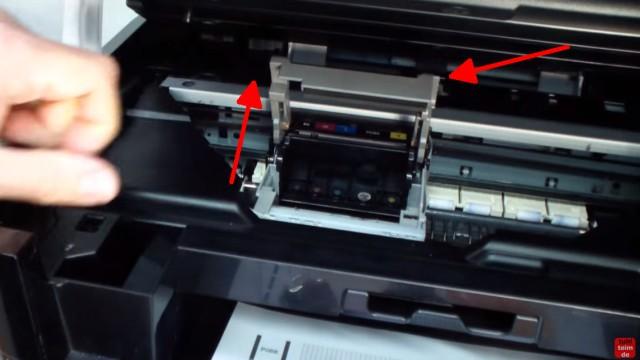 Canon Pixma Kopf ausbauen und reinigen - Drucker öffnen - Patronen herausnehmen und Bügel hochklappen