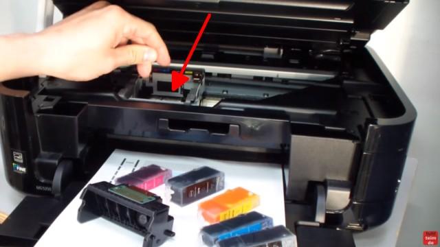 Canon Pixma Kopf ausbauen und reinigen - den Bügel wieder zuklappen