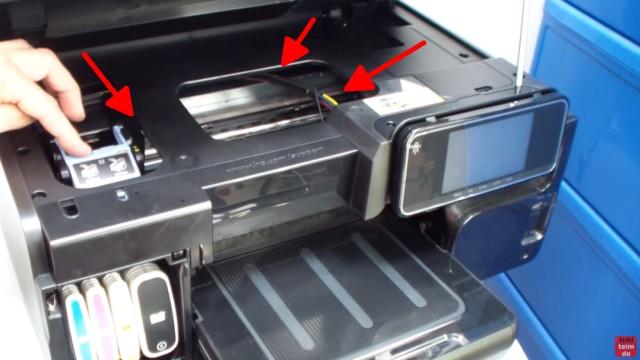 HP OfficeJet Pro 8000/8500a Plus Druckprobleme - Druckkopf und Patronen - Tintenschläuche / Zulaufschläuche sind gut zu sehen
