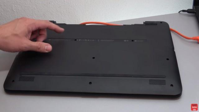 HP Pavilion Notebook PC nicht zu öffnen - Öffnen auf eigene Gefahr - 17-x035ng - im Notebookboden sind die meisten Schrauben direkt sichtbar