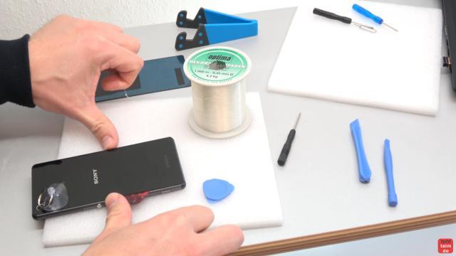 Sony Xperia Z3 Backcover + Akku + NFC Antenne austauschen - Reparatur - mit Nylonfaden Kleber sauber trennen