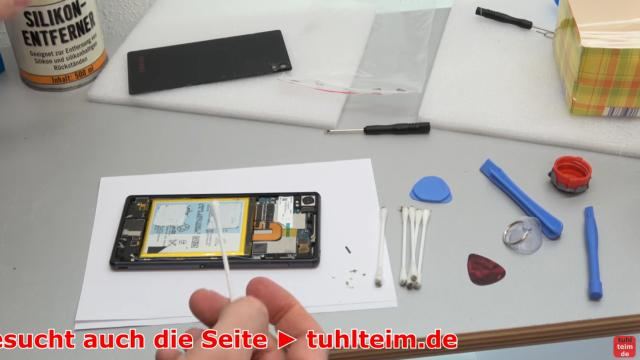 Sony Xperia Z3 Backcover + Akku + NFC Antenne austauschen - Reparatur - Handy vom Kleber mit Silikon-Entferner reinigen