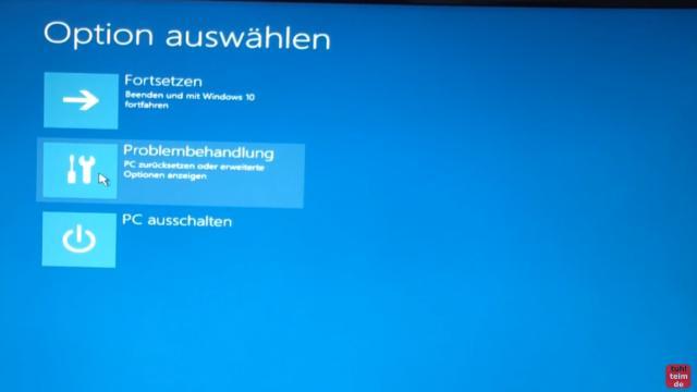 Windows 10 Festplatte klonen auf SSD oder HDD [Teil 1] Zielfestplatte gleich groß oder größer - startet die CD oder den USB-Stick - klickt auf Problembehandlung