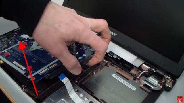 Acer Extensa 2509 Notebook RAM Erweitern Upgrade - Mainboard nach oben entnehmen