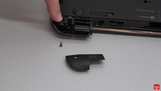 HP Pavilion Sleekbook 15 Notebook öffnen HDD SSD RAM Lüfter CMOS tauschen - unter der Scharnierabdeckung sind hier keine weiteren Schrauben