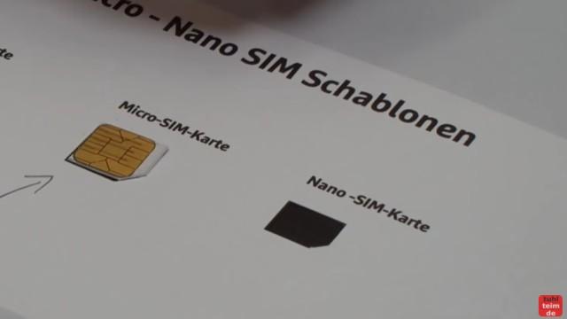 Handy SIM-Karte zu Micro / Nano zuschneiden und Mini-SIM-Adapter selber bauen - kleingeschnittene Karte mit der Schablone vergleichen