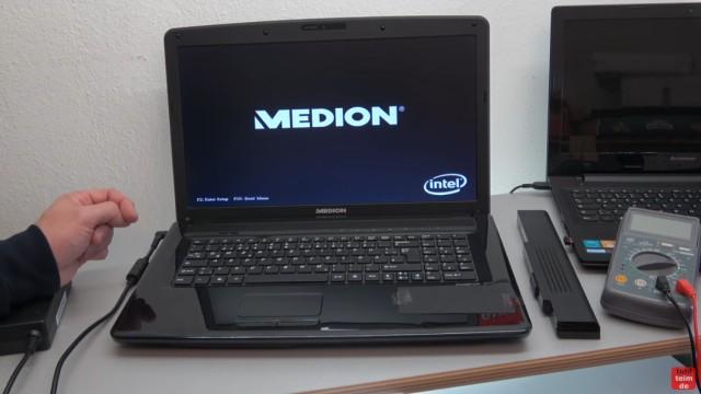 Medion Notebook schaltet sich selbst ein oder gar nicht ein - Netzteil testen - und schaltet sich mit den Power-Knopf ein