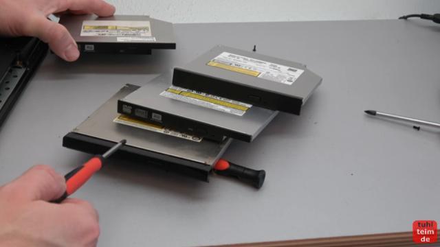 Notebook DVD Laufwerk oder BluRay ausbauen und wechseln - verschiedene Laufwerke mit verschiedenen Plastikblenden