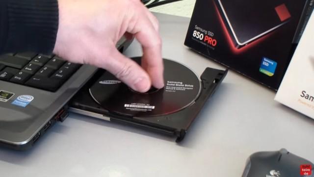 Windows 7 auf Samsung SSD Evo klonen mit Samsung Data Migration Software - mitgelieferte CD einlegen und Software installieren