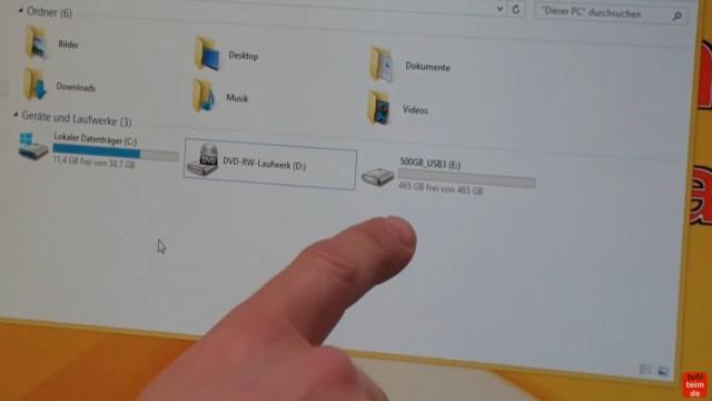 Windows 8.1 Festplatte auf SSD / HDD klonen ohne Extrasoftware - steckt die USB-Festplatte an euren PC oder euer Notebook