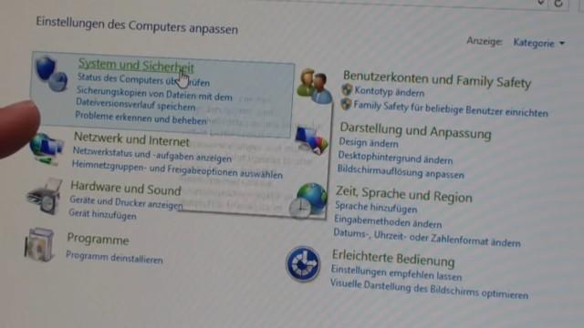 """Windows 8.1 Festplatte auf SSD / HDD klonen ohne Extrasoftware - ruft in der Systemsteuerung """"System und Sicherheit"""" auf"""