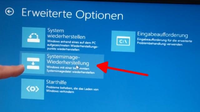Windows 8.1 Festplatte auf SSD / HDD klonen ohne Extrasoftware - bootet nun von der Windows 8.1 CD oder dem USB-Stick und klickt auf Systemimage-Wiederherstellung