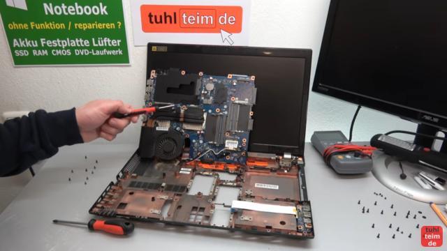 Acer Notebook defekt - öffnen und reparieren - Mainboard ausbauen - V3 771G - Mainboard ausbauen und prüfen