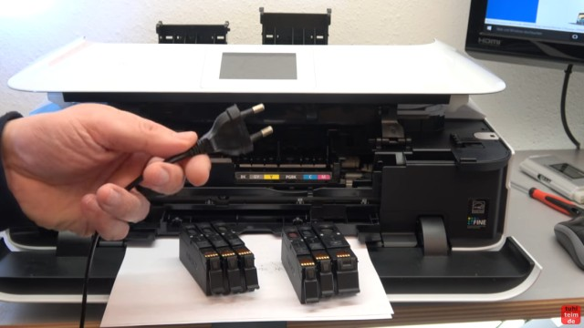 Canon Pixma Drucker Druckkopf auswechseln - ausbauen - wechseln - ganz wichtig: jetzt den Netzstecker herausziehen