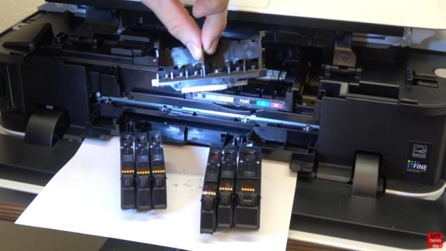 Canon Pixma Drucker Druckkopf auswechseln - ausbauen - wechseln - Druckkopf aus dem Drucker nehmen