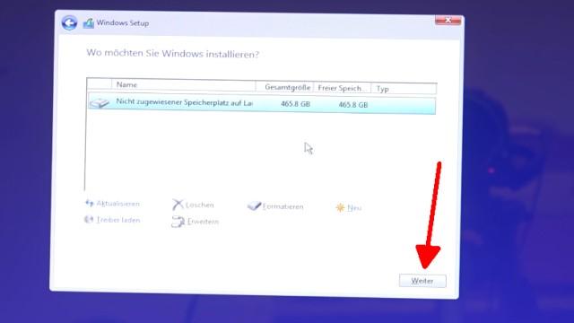 """Neues Notebook einrichten - Teil 2 - Windows 10 komplett neu installieren - alle Partitionen sind gelöscht - auf """"Weiter"""" klicken"""
