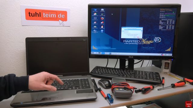 Notebook Bildschirm schwarz - Display zerlegen - externen Monitor aktivieren - abschließender Grafikkartentest mit UBCD Linux-Boot-Medium