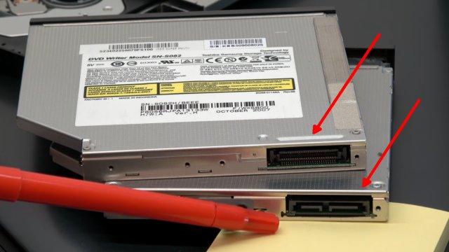 Notebook DVD Laufwerk extern an USB oder in PC einbauen an SATA - oben mit PATA-Anschluss - unten mit Slimline-Anschluss