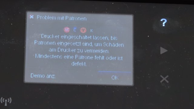 HP OfficeJet druckt falsche keine Farben - Druckkopf per Hand reinigen - Fehlermeldung im Druckerdisplay