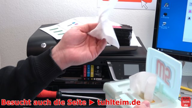 HP OfficeJet druckt falsche keine Farben - Druckkopf per Hand reinigen - mechanische Reinigung mit feuchten Tüchern