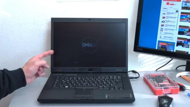 Notebook Bildschirm bleibt schwarz oder geht aus - Ursache: HDD defekt - nach dem Einschalten wird kurz das Logo angezeigt