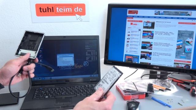 Notebook Bildschirm bleibt schwarz oder geht aus - Ursache: HDD defekt - ausgebaute Festplatte kann in externes USB-Gehäuse eingebaut werden