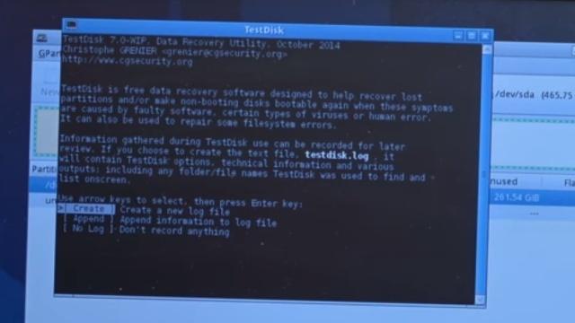 Notebook Bildschirm bleibt schwarz oder geht aus - Ursache: HDD defekt - TestDisk testet die Festplatte auf Defekte