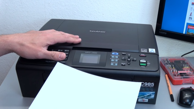Brother Tintenstrahldrucker reinigen - Druckkopf druckt kein Schwarz - beim Kopieren in Schwarz-Weiß wird nur ein leeres Blatt ausgeworfen