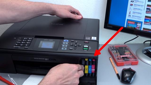 Brother Tintenstrahldrucker reinigen - Druckkopf druckt kein Schwarz - neue Tintenpatronen einsetzen