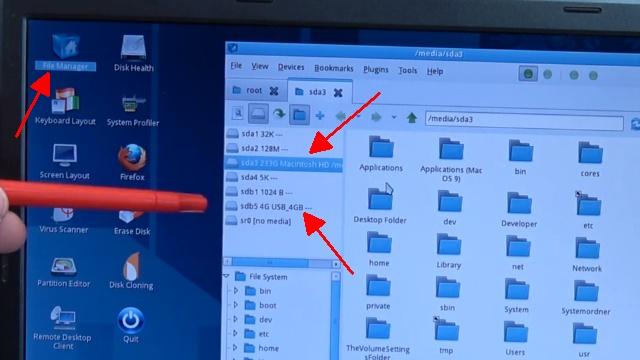 Apple Mac / iMac MacBook HFS+ Festplatte auslesen mit Windows-PC - oberer Pfeil: Mac-Platte - unterer Pfeil: normaler USB-Stick