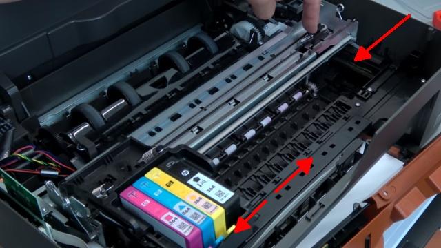 Hewlett-Packard Drucker - Patronenwagen frei geben lösen - HP Papierstau entfernen - Patronenwagen und Druckkopf bewegen