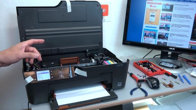 Hewlett-Packard Drucker - Patronenwagen frei geben lösen - HP Papierstau entfernen - Deskjet leider mit Totaldefekt