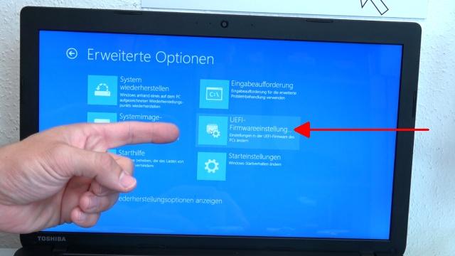Notebook UEFI-Bios CSM Windows 10 SecureBoot einstellen und von USB oder DVD booten - ins Bios mit Windows 10 - auf -UEFI-Firmwareeinstellung- klicken