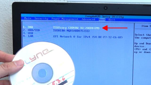 Notebook UEFI-Bios CSM Windows 10 SecureBoot einstellen und von USB oder DVD booten - ins Bios mit Windows 10 - CD einlegen und CD-Laufwerk in Bootreihenfolge nach oben