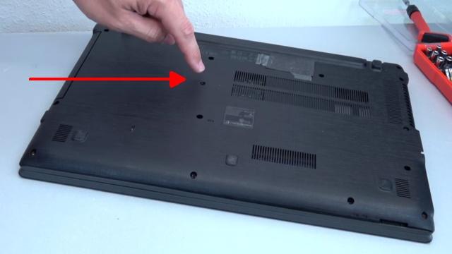 Acer Aspire E15 Laptop Notebook öffnen - HDD SSD Akku Batterie RAM Lüfter wechseln - Alle Schrauben entfernen - ca. 14 Stück je nach Modell