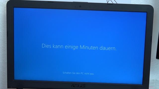 Windows 10 Update Download noch kostenlos - Installation dauert bis zu einigen Stunden