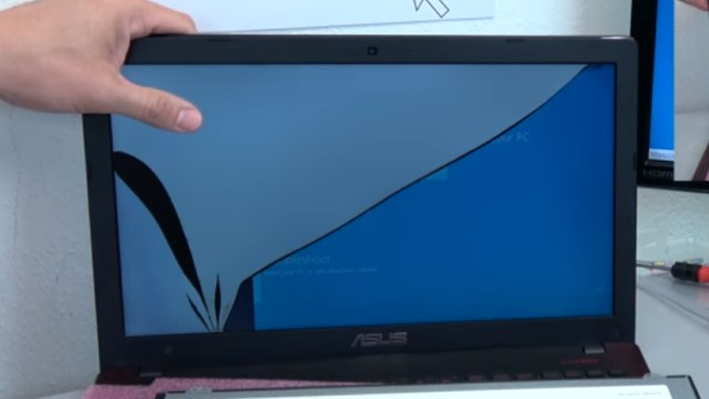 Laptop Display wechseln in 10 Minuten - Passendes Notebook Display kaufen - zerbrochener Bildschirm